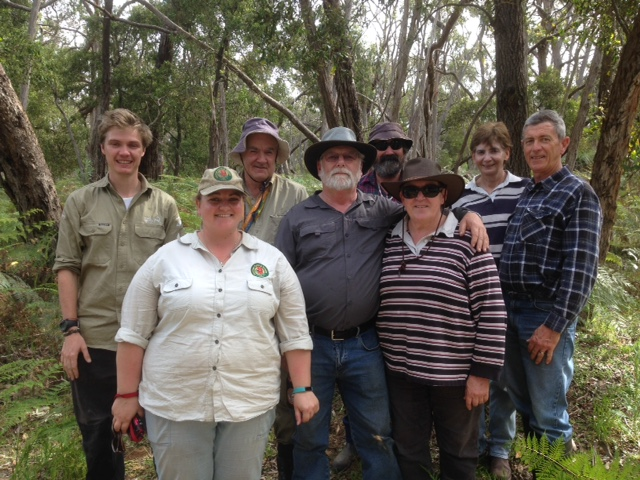 Aprasia catching team for 2016 - from left to right - Patrick, Elouise, Ken, Stewie, Rob, Rosey, Linda and Peter